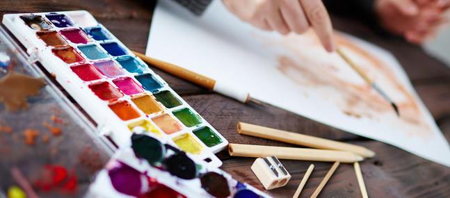 art_therapie_dessin_crayons_peinture